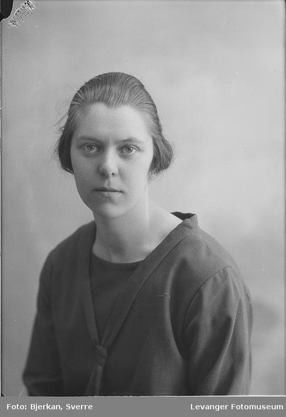 Portrett av Hilda Guddal
