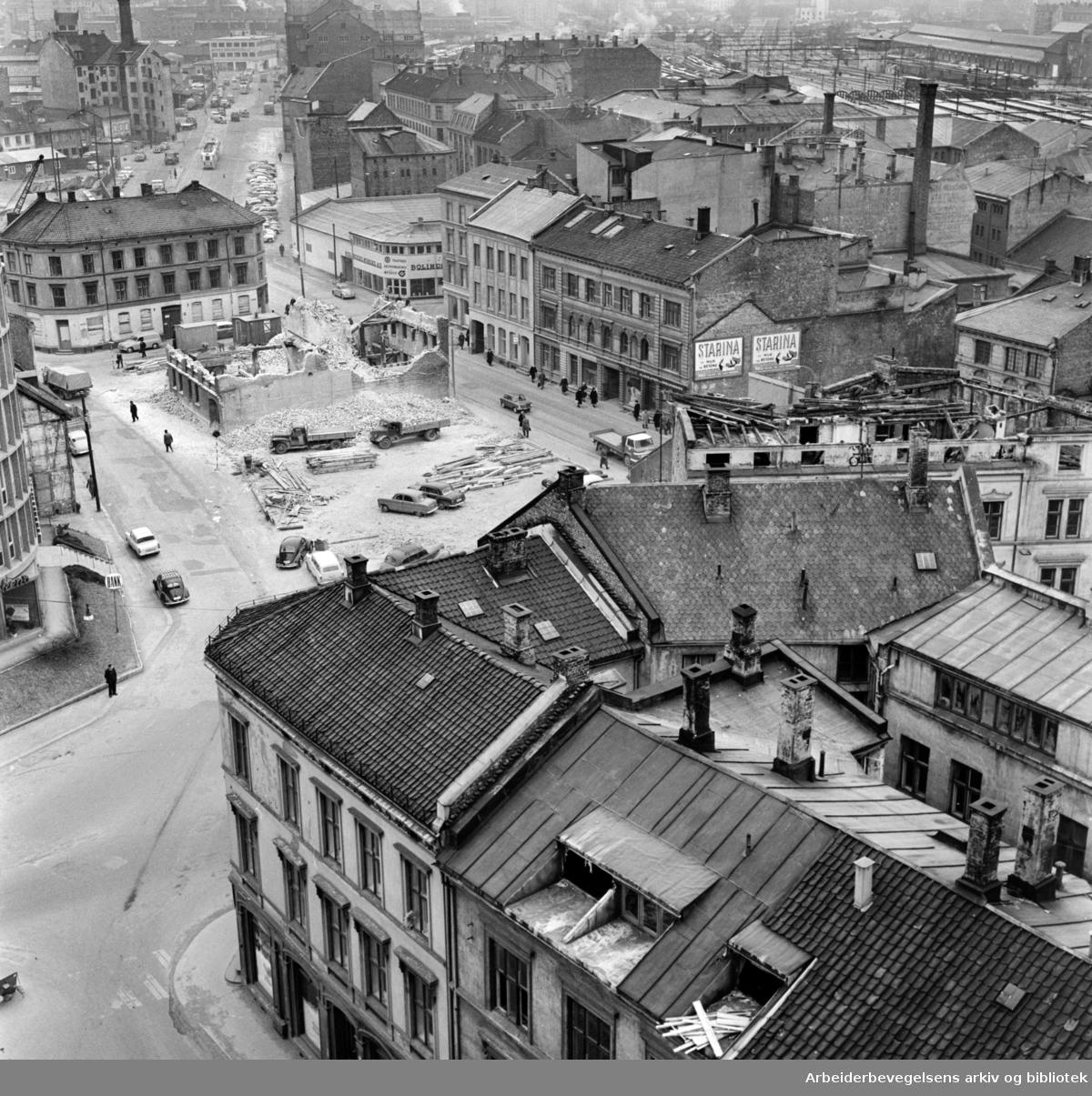 Vaterland. Saneringen i Karl den 12.s gate og Vognmannsgata. Februar 1962