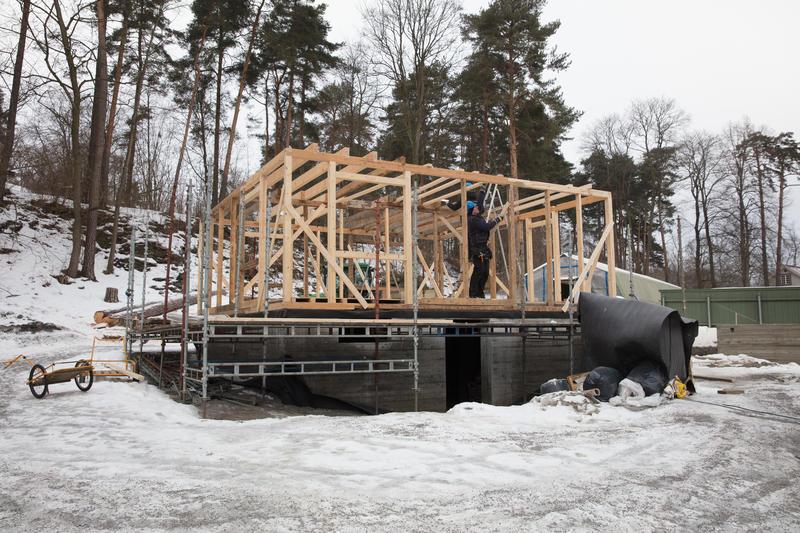 Huset fra Oldefjord reiser seg.