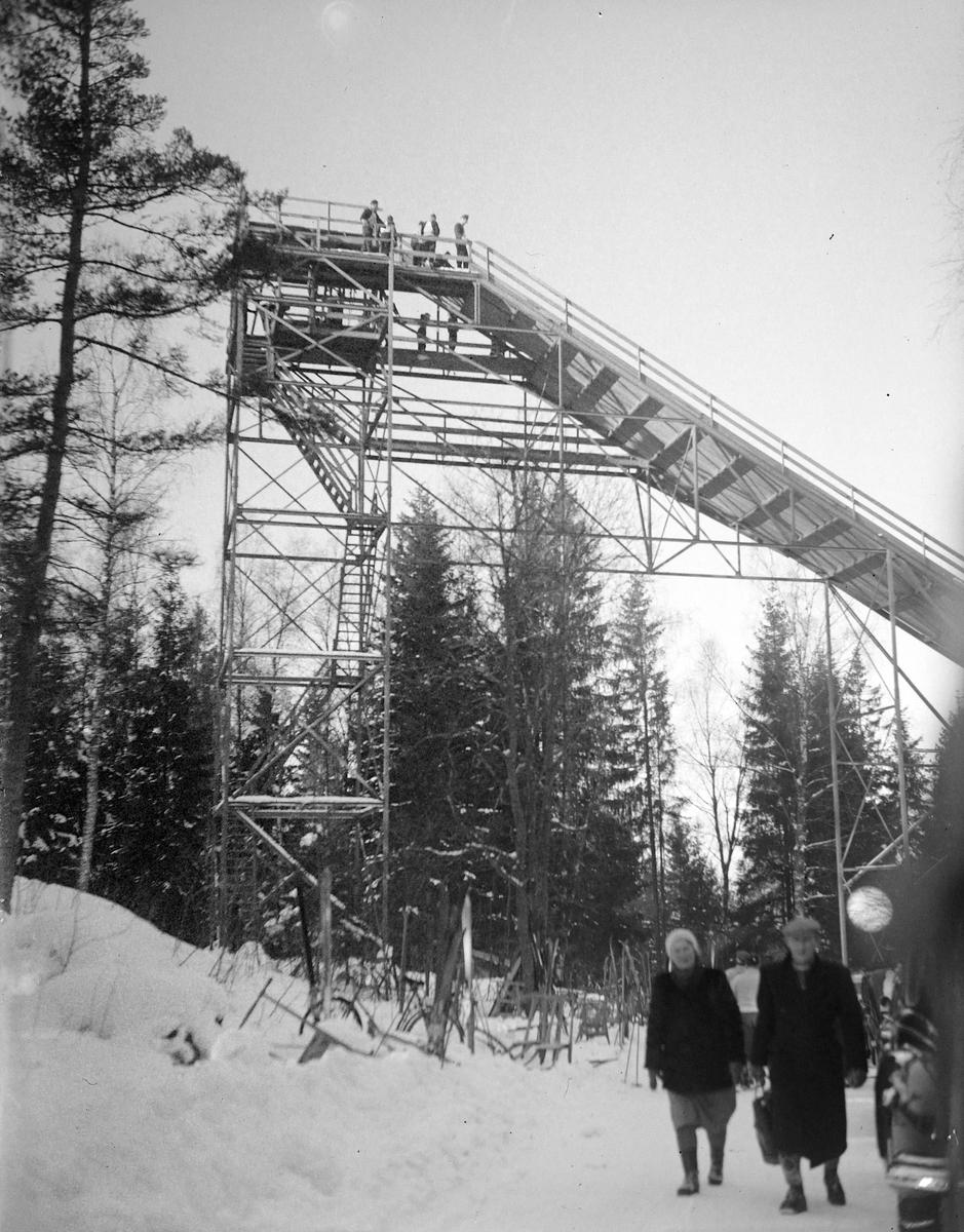 Hoppbakke,  Møllebakken, Ski