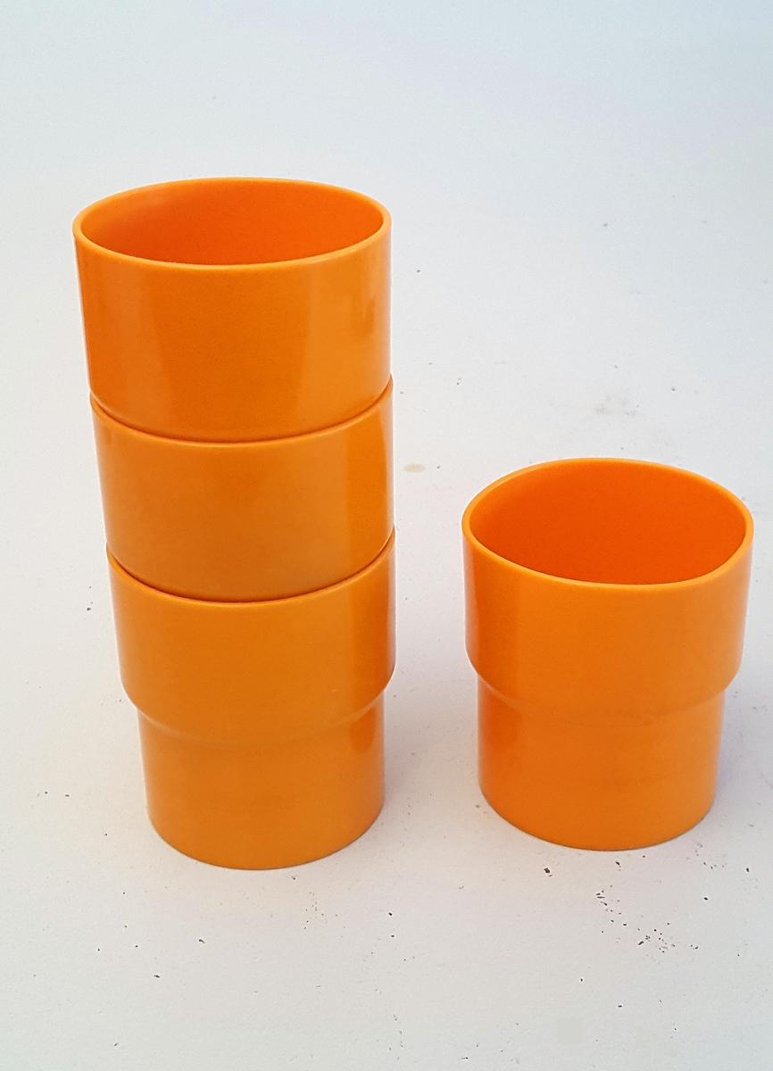 Sylinderforma kopp utan hank.