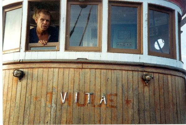 1993._Fr_reparasjonene_igangsettes.0001_Kopi_2.jpg. Foto/Photo