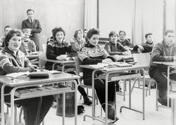 Odda høgre skole, lærerrom, møbel frå Låte møbelfabrikk