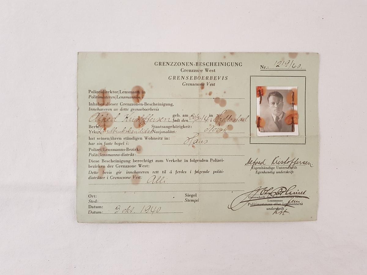 Falskt pass tilhørende Harald Risnes.