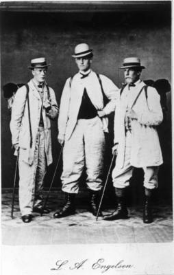 På fottur i Trønderlag, 1855. (Foto/Photo)