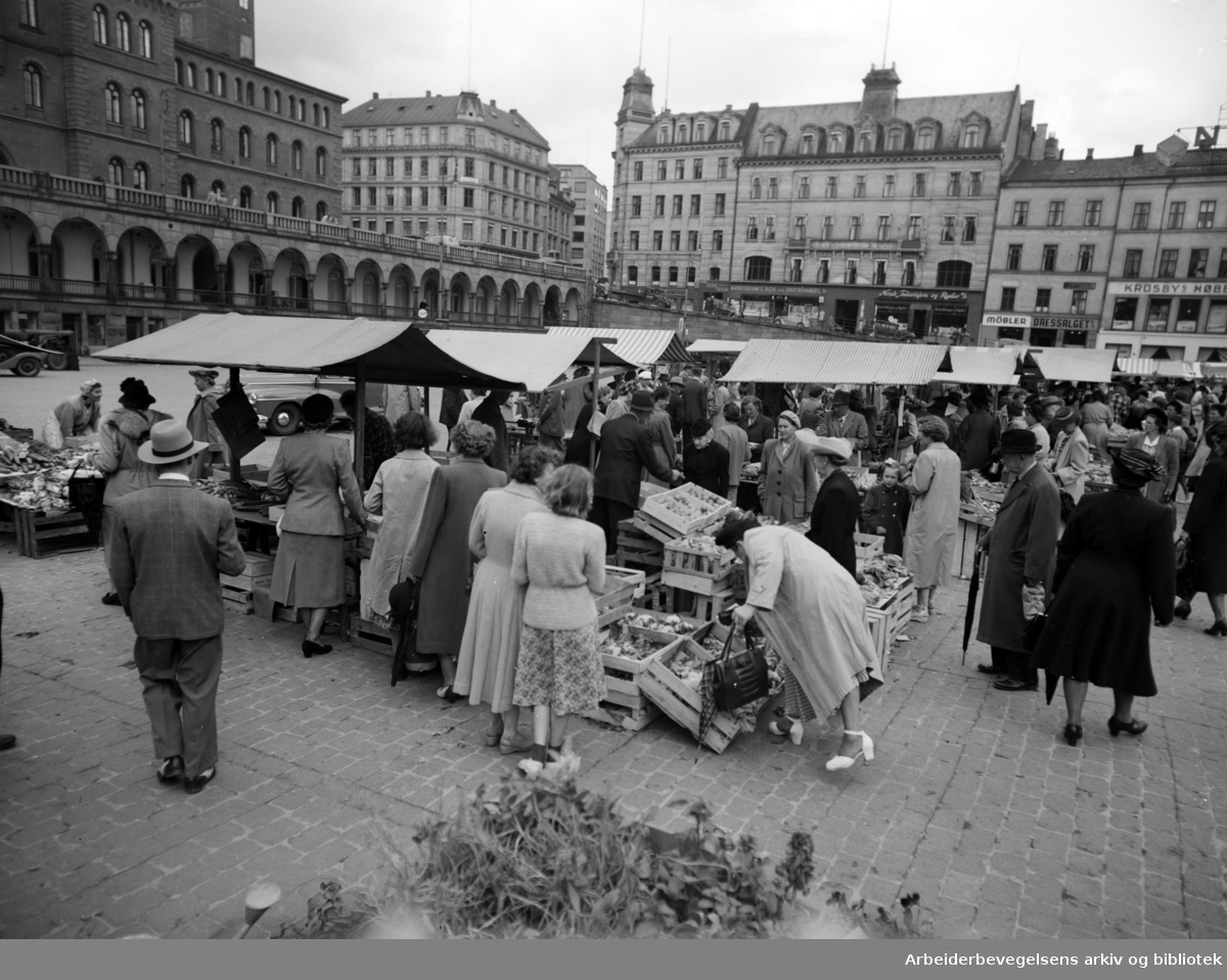 Youngstorget, v/ torgsalg. 1949 -1959