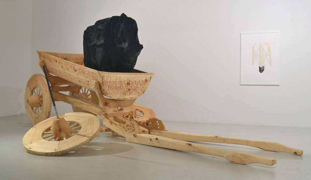 Treskulptur av Tore Reisch. (Foto/Photo)