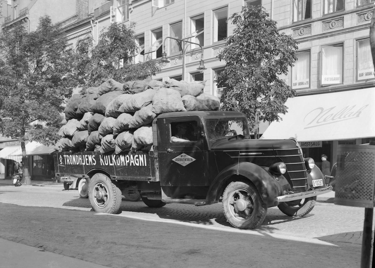 Lastebil fra Trondhjems Kulkompagni A/S