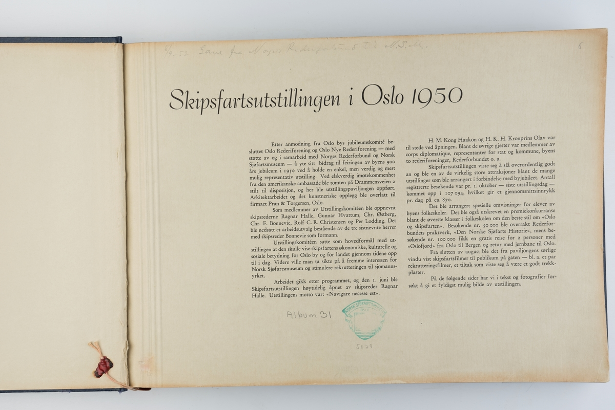 Fotoalbum med fotografier fra Skipsfartsutstillingen i Oslo i 1950.