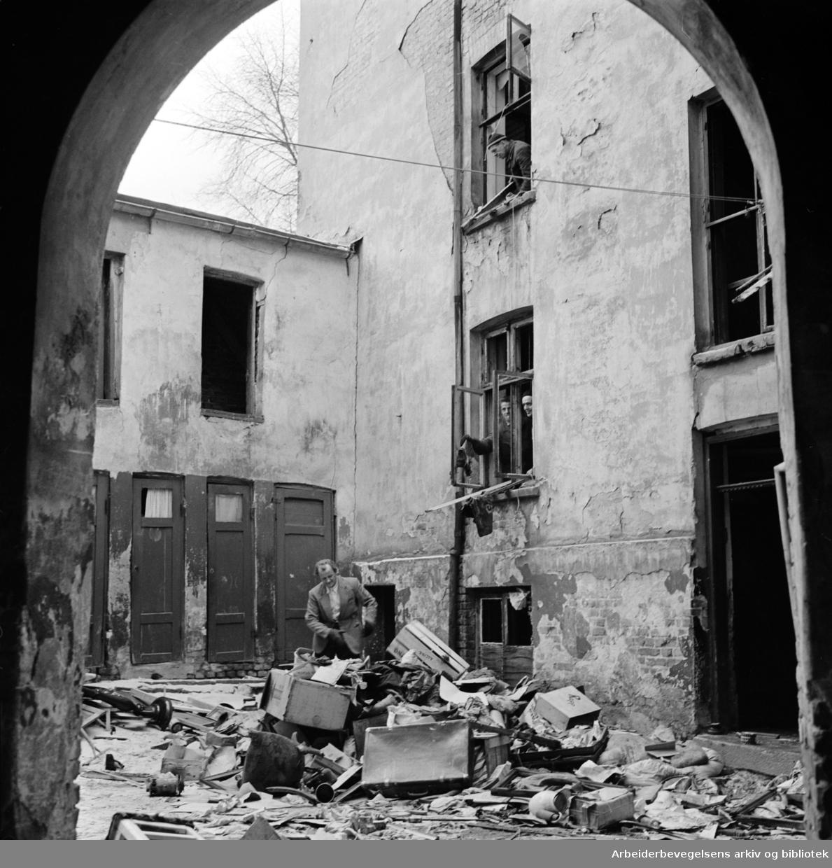 Maridalsveien 12 rives. November 1962