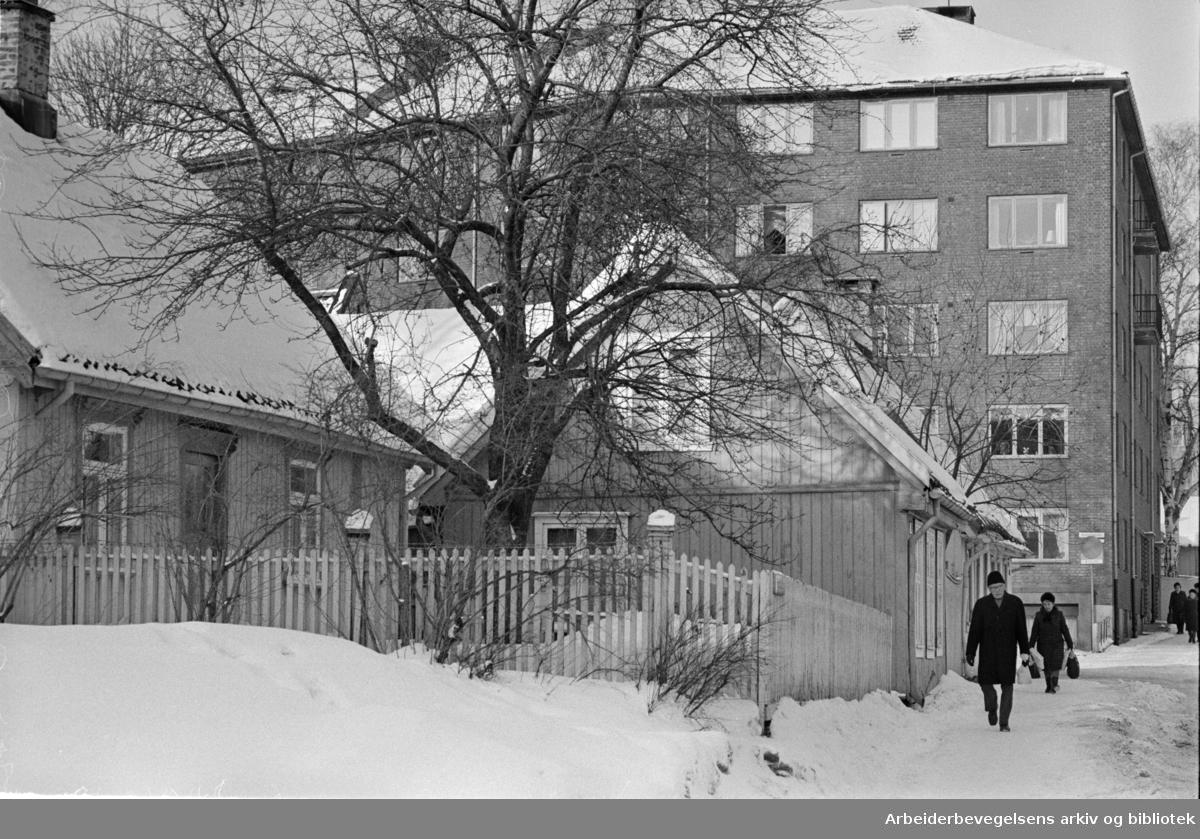 Maridalsveien. Bevaring av gamle bygninger. Februar 1978