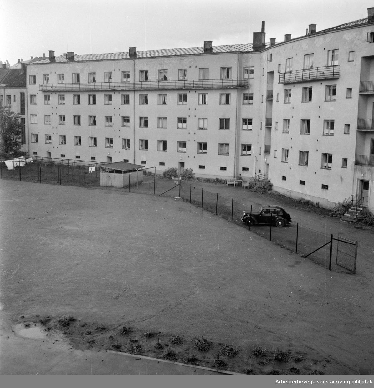 Laura Gundersens Plass. Juni 1957