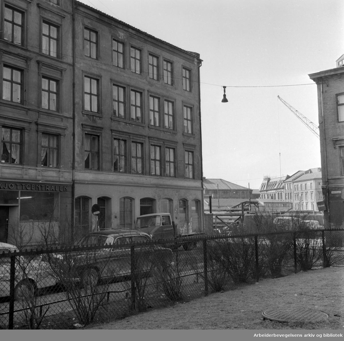 Karl Den 12s gate nr. 32 er solgt til Oslo kommune. April 1964