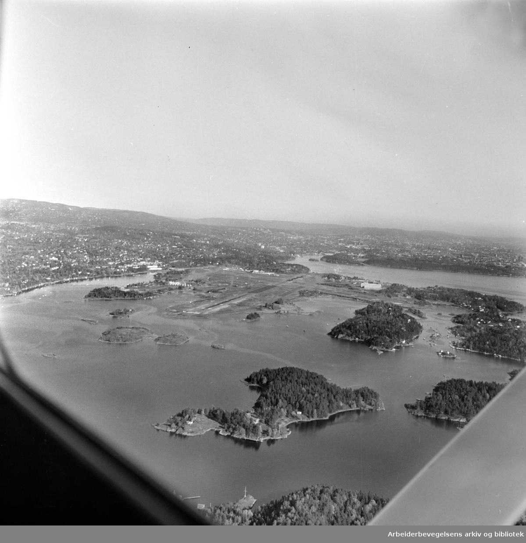 Fornebu (flyfoto). Oktober 1966.
