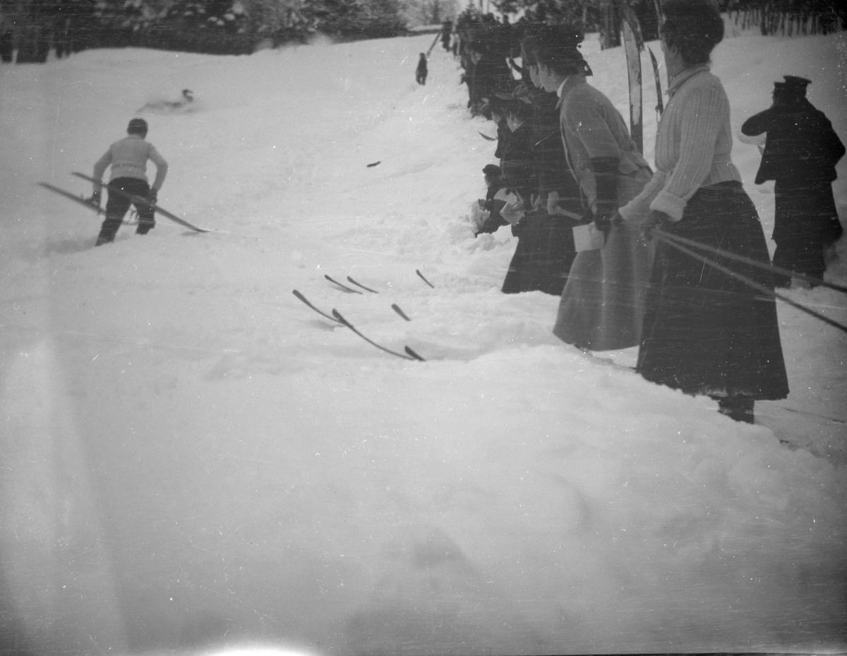 Folk på ski - skirenn?