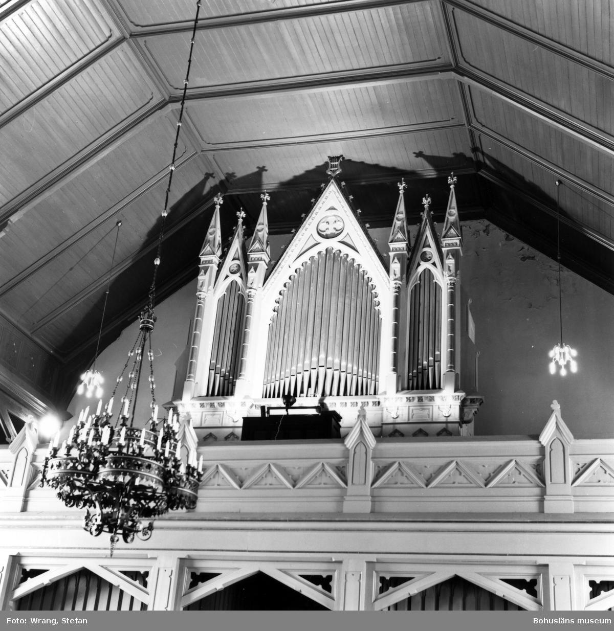 """Text till bilden:""""Grebbestads kyrka""""."""