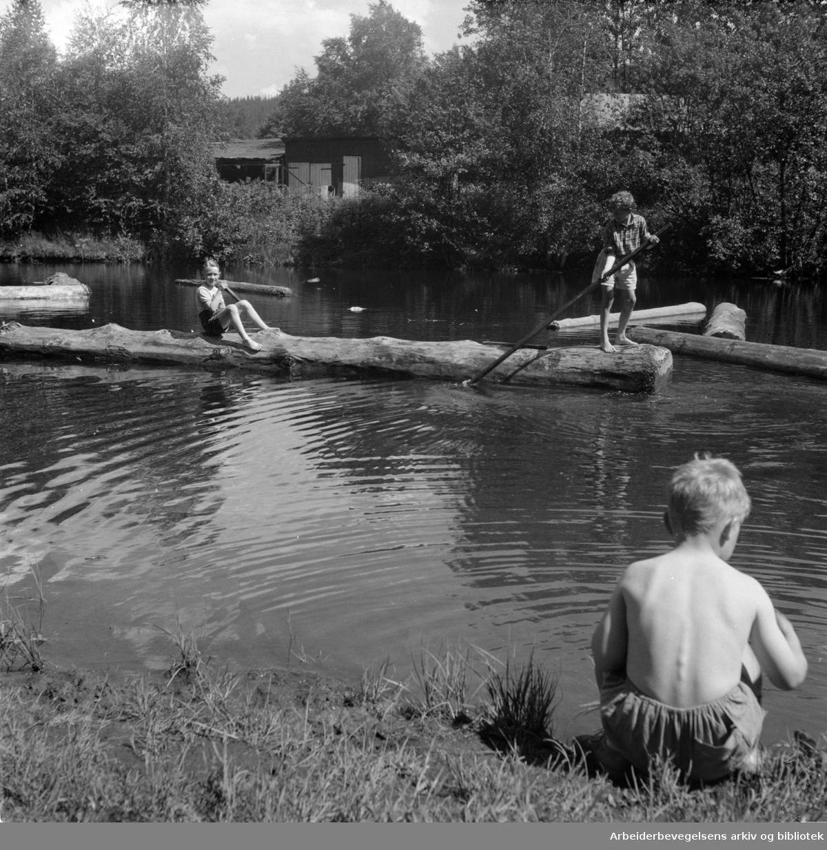 Akerselva. Badeliv ved Stilla.1947