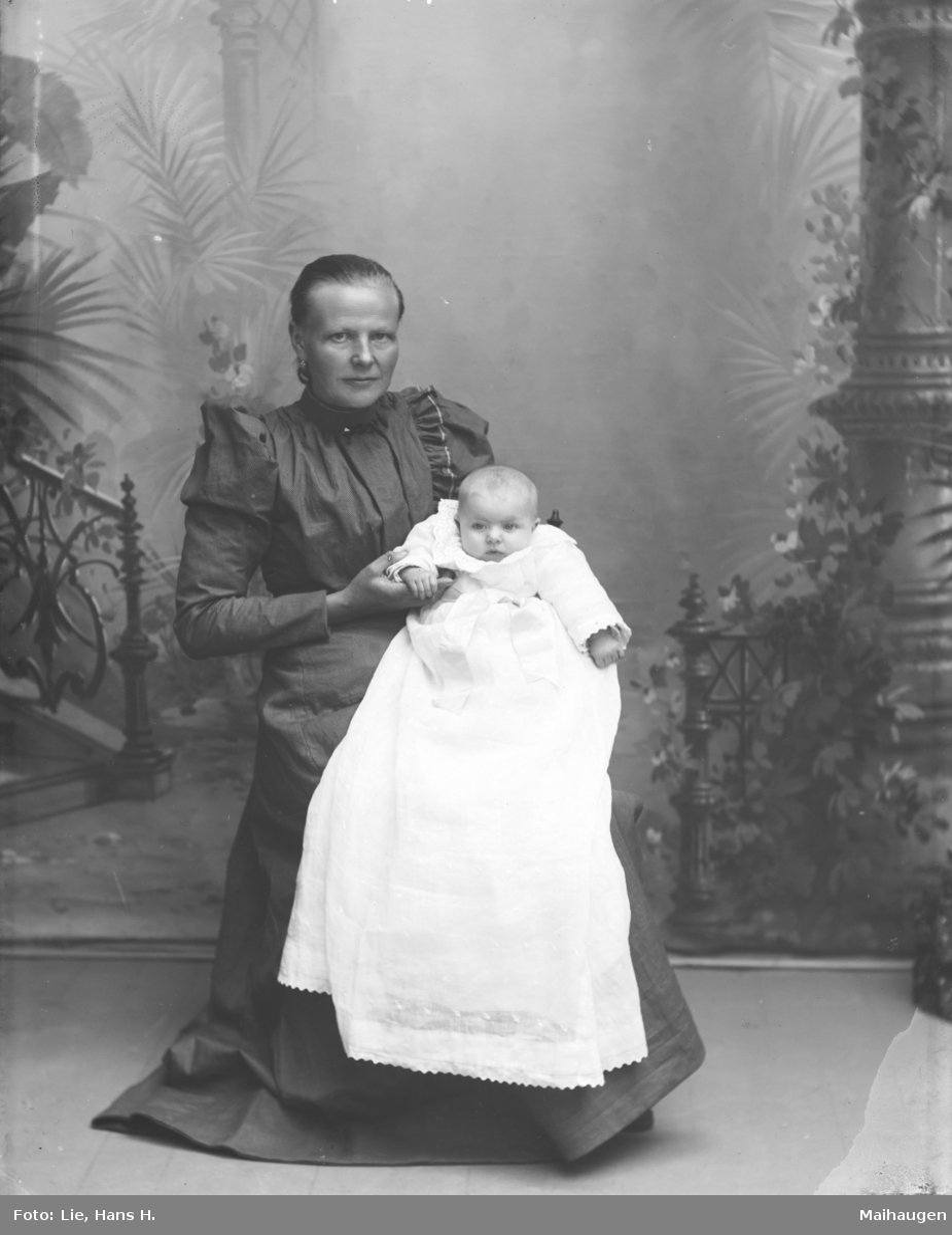 Marit Slaaen med barn.