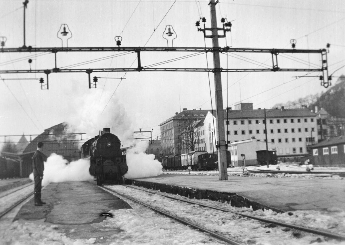 Damplokomotiv type 31b nr. 426 på Bergen stasjon.