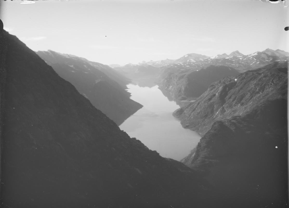 Jotunheimen, bilde tatt fra Besseggen mot Gjende