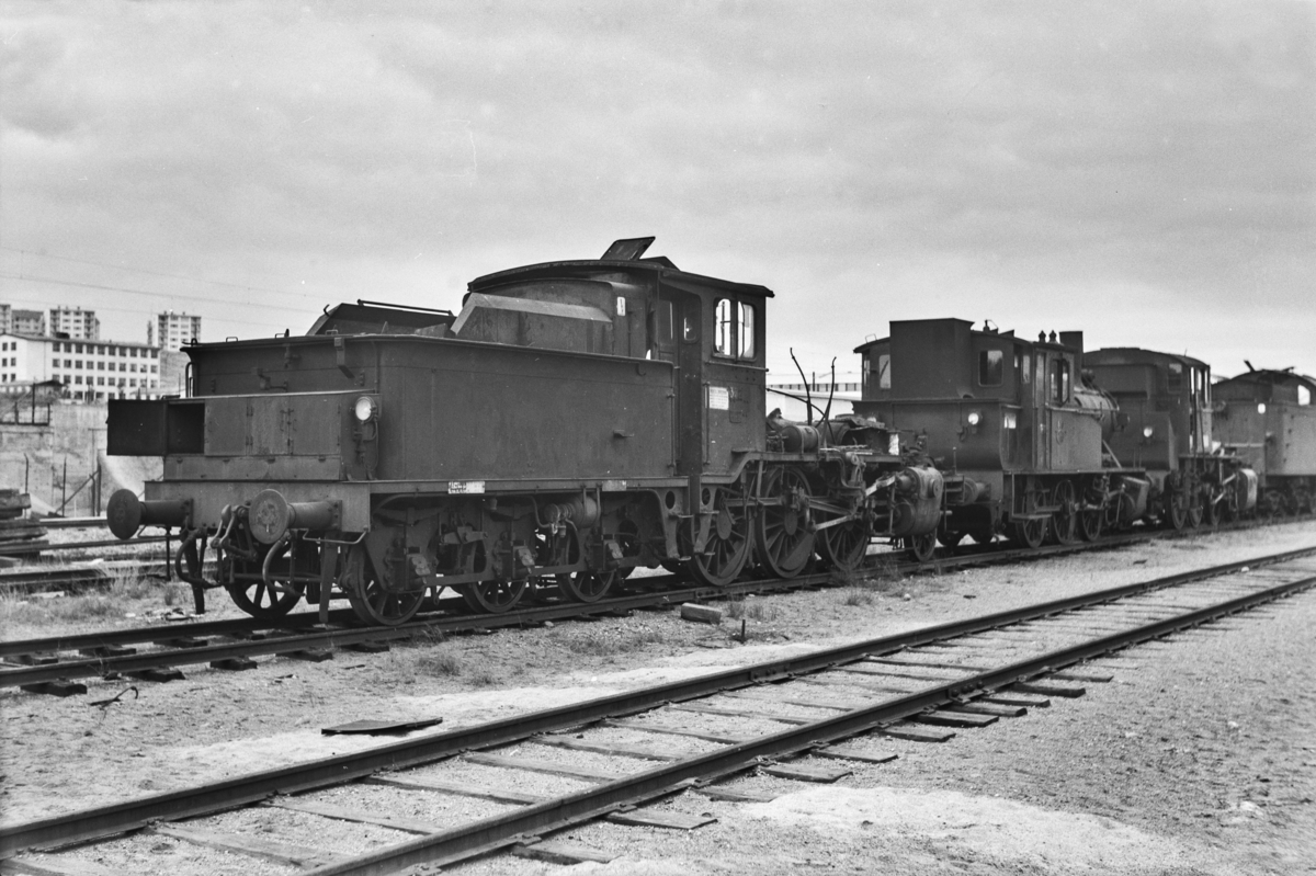 Damplokomotiv type 21c 372 på Grorud verksted. Kjelen er tatt ut for revisjon.