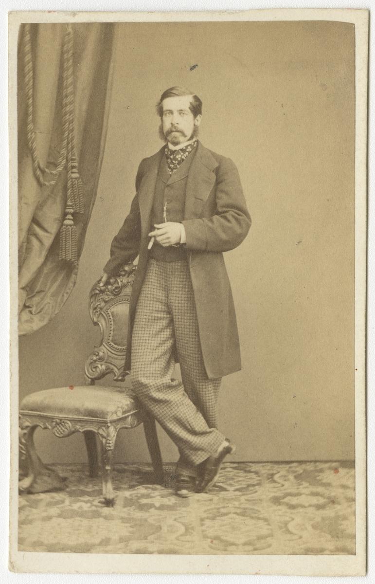 Porträtt av friherre Carl Wilhelm Ericson, officer vid Västgöta regemente I 6. Se även bild AMA.0007231 och AMA.0014861.