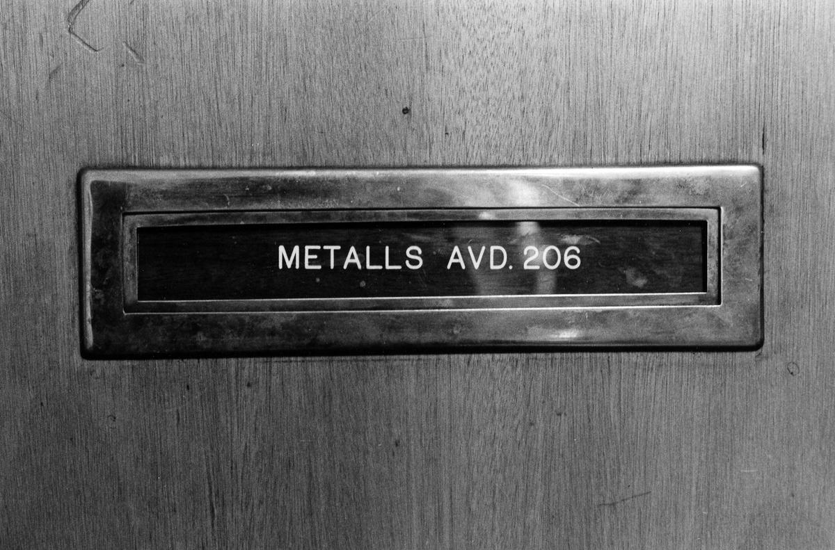 Bild på brevinkast Svenska Metallindustriarbetarförbundets avdelning 206. Folkets Hus. Kvarteret Väduren 1.