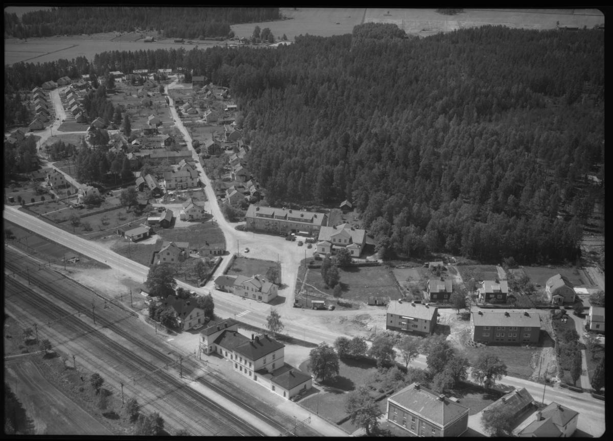 Flygfoto över Valskog. Tagen 1965 av AB Flygtrafik Dals Långed.