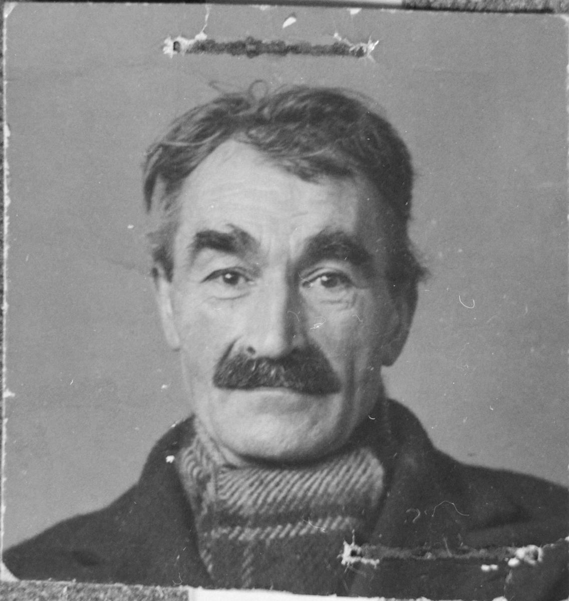 Passfoto av Hilberg Enoksen på Berg.