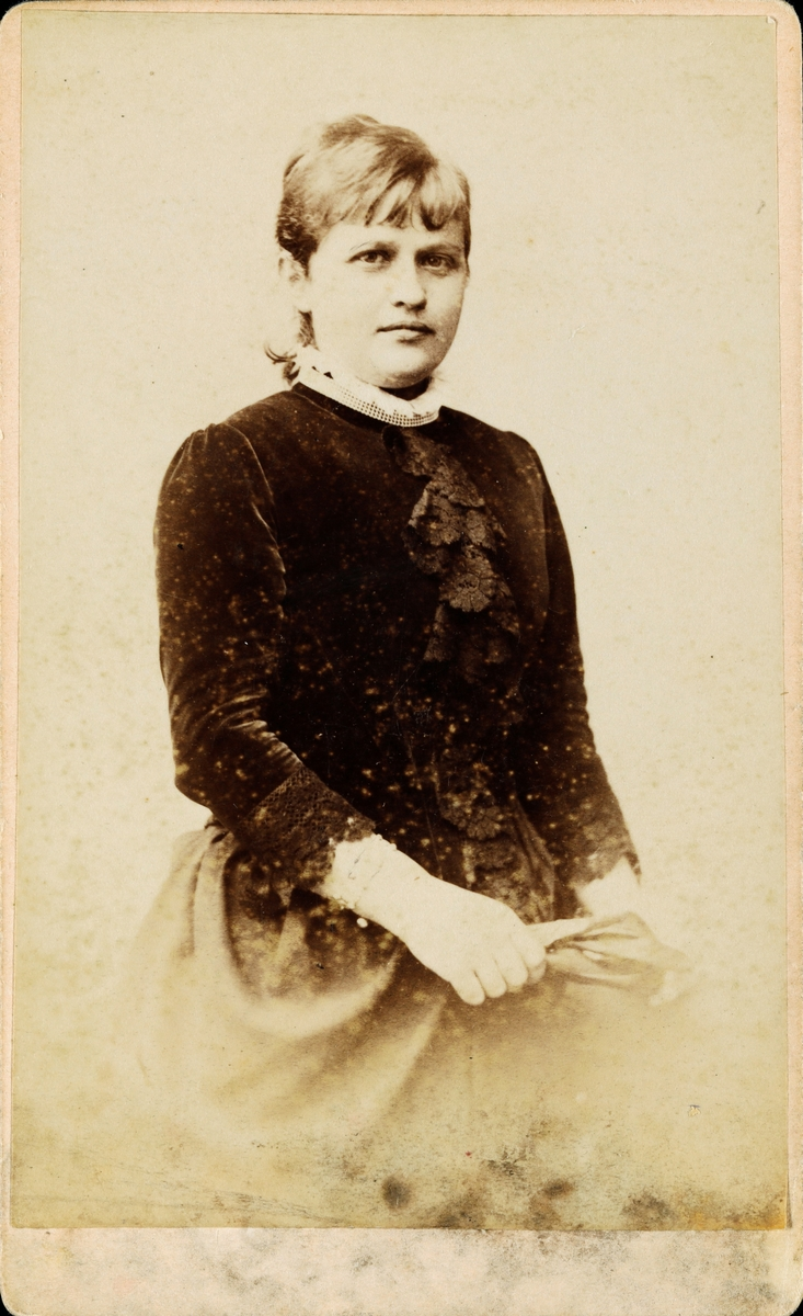 Portrett av tante Louise Christiansen.