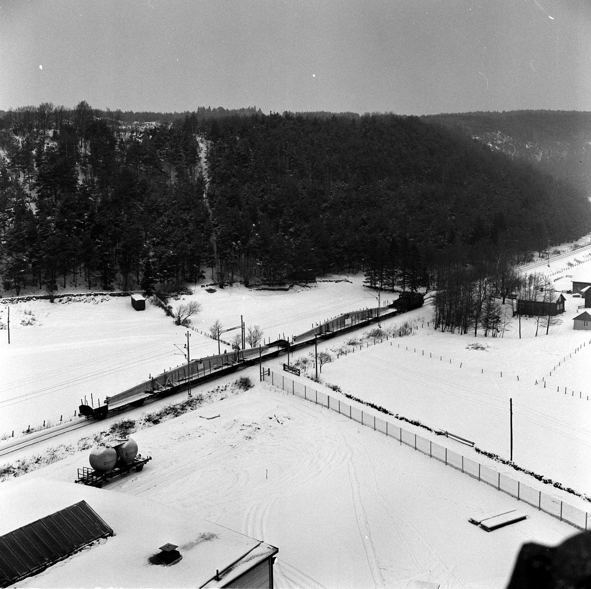 Transport av betongbalk från Strängbetong i Veddige