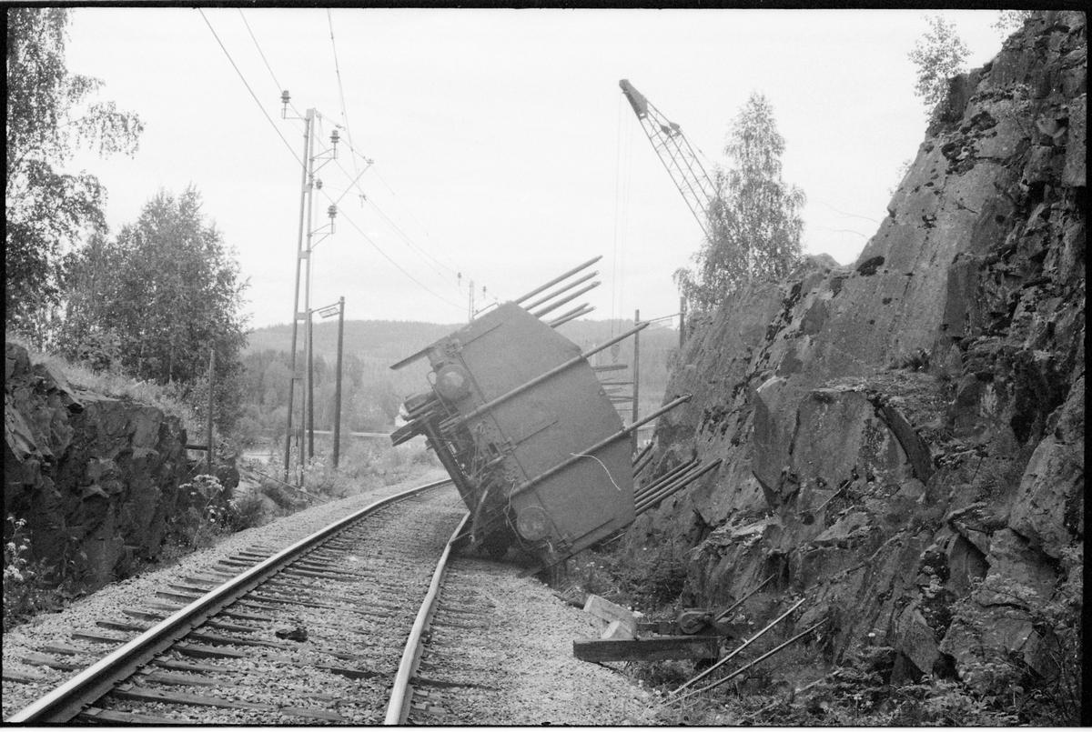 Urspårade vagnar vid infarten till Långsele.