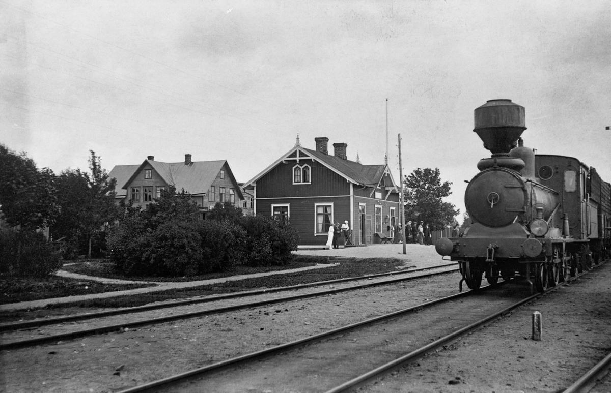 Hökön station