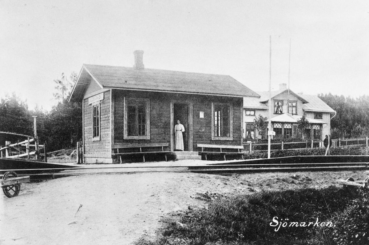 Hållplatsen togs i bruk 1894.