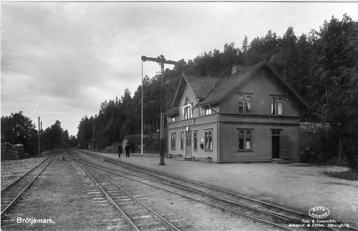 Brötjemark station.