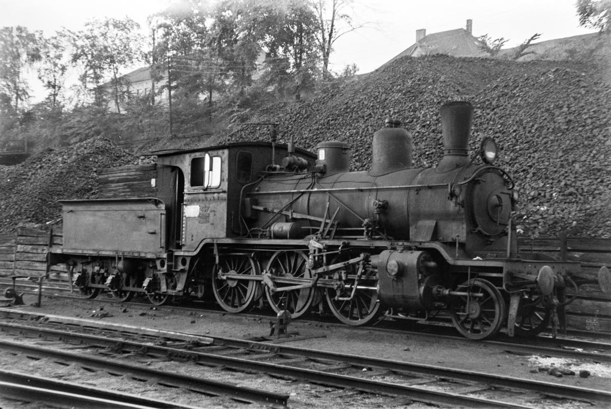 Damplokomotiv type 21b 237 i Lodalen i Oslo.