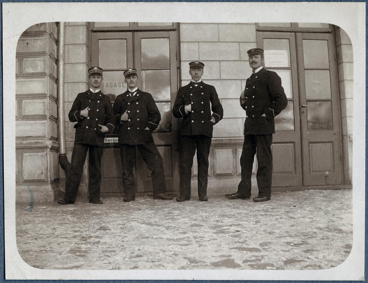 Stationsskrivare vid Västervik station 1905.
