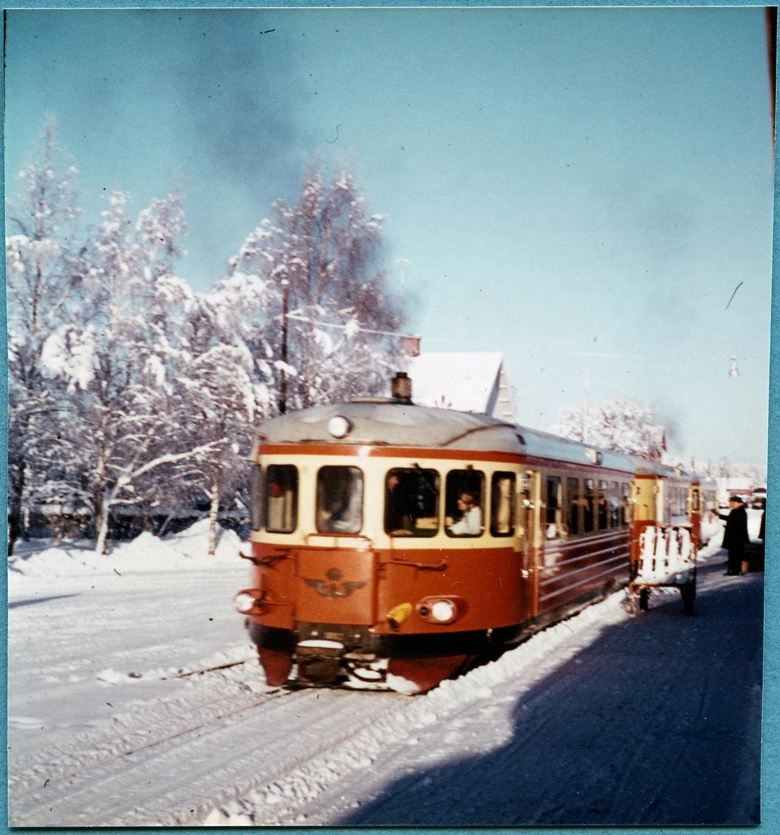 Rälsbuss Statens Järnvägar, SJ YB06 1002.