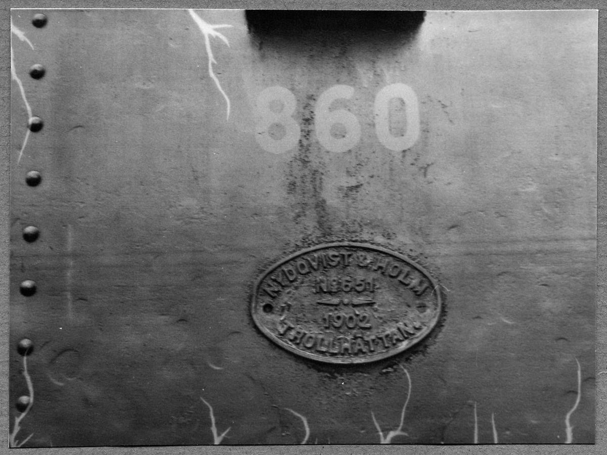 Tender med tillverkarens skylt, tillhörande Statens Järnvägar, SJ Tb 860.