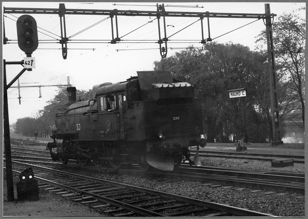 Statens Järnvägar, SJ S 1260 vid Malmö C. Loket kördes med extratåg vid Malmö - Ystads Järnväg, MYJ 100 årsjubileum.