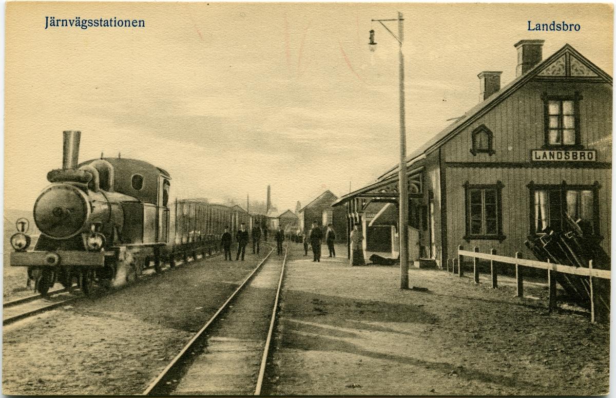 Namnet var före 1/6 1895 LANNASKEDE. Station anlagd 1885. En- och enhalvvånings stationshus i trä