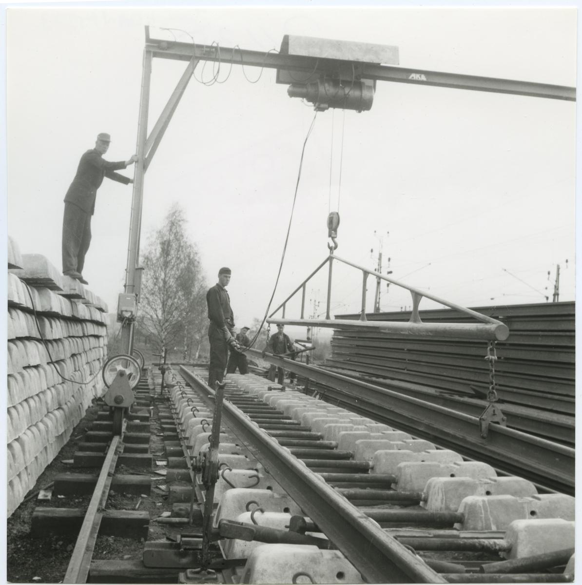 Förberedande rälsläggning, på sträckan Tranås - Gripenberg.