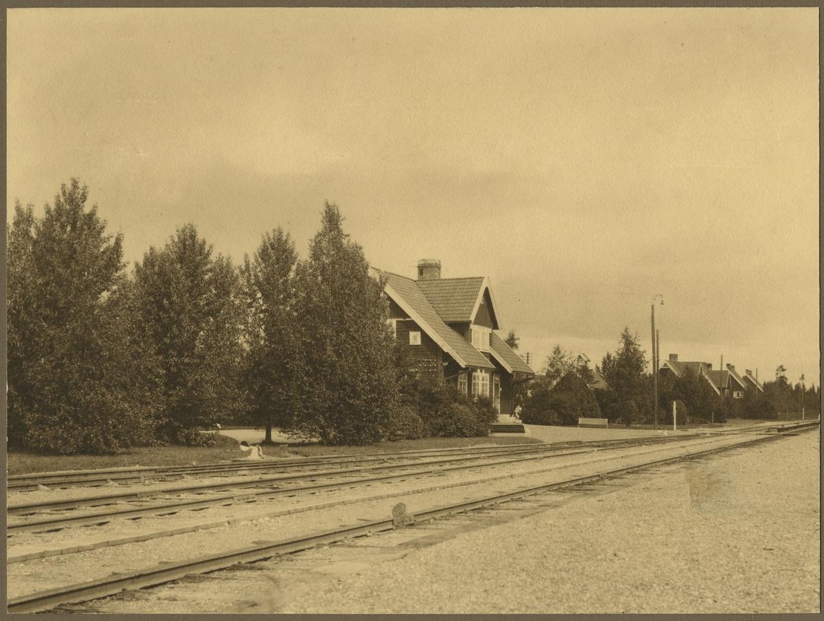 Stationplantering vid Ulriksfors station.