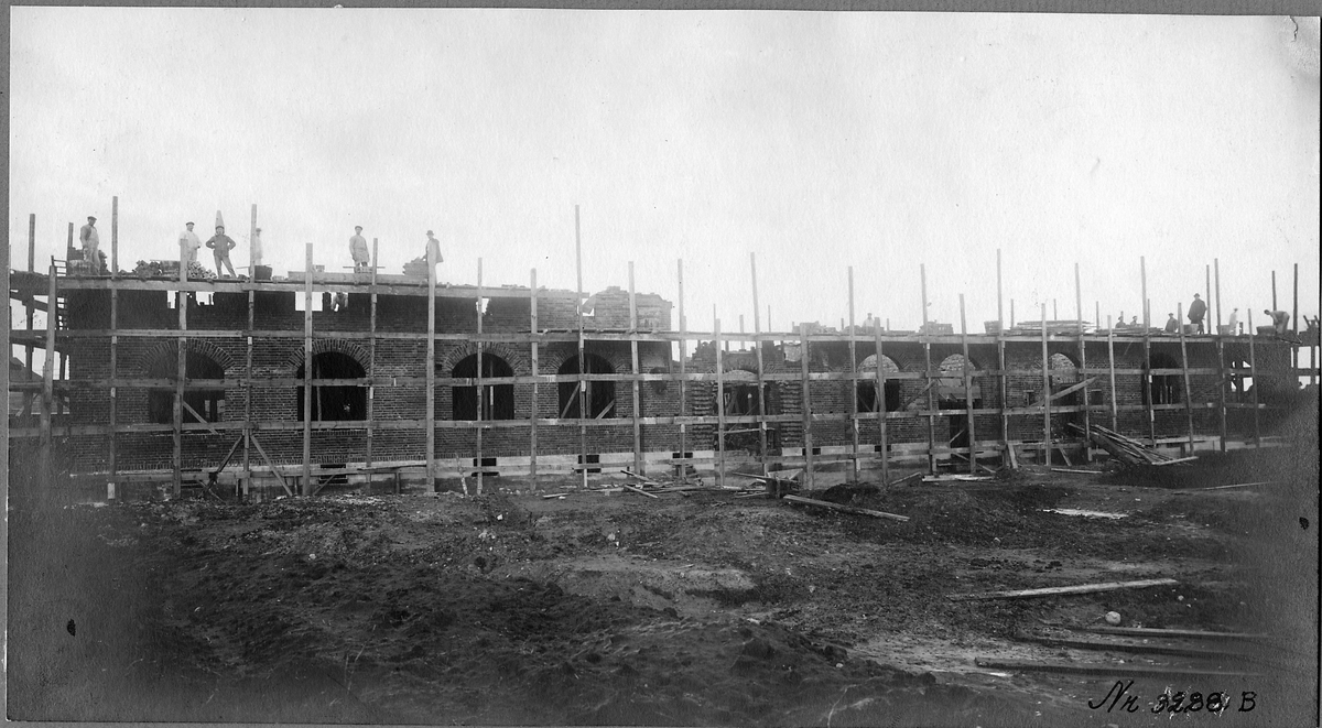 Byggnation av Höganäs stationshus.