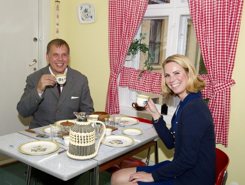 «Arne og Solveig Dahl» ved frokostbordet på kjøkkenet.
