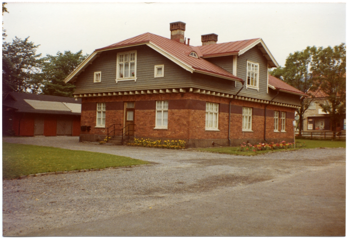 Bostadshus, järnvägshuset 9A, för järnvägspersonal i Partille.