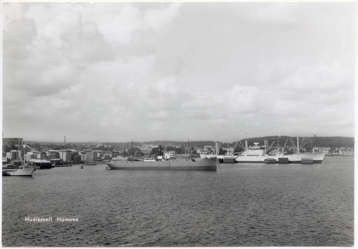 Hamnen i Hudiksvall.