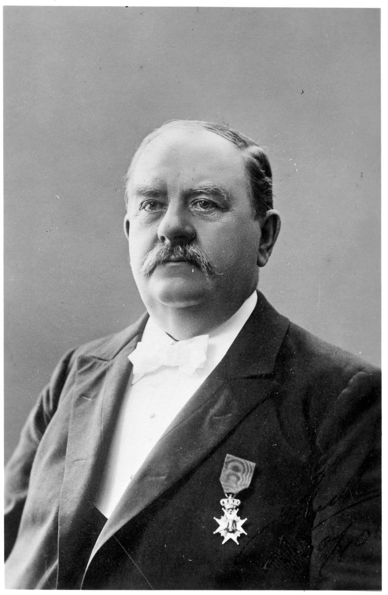 Johan Jakob Josef Kull, stins i Mjölby 1889-1906.