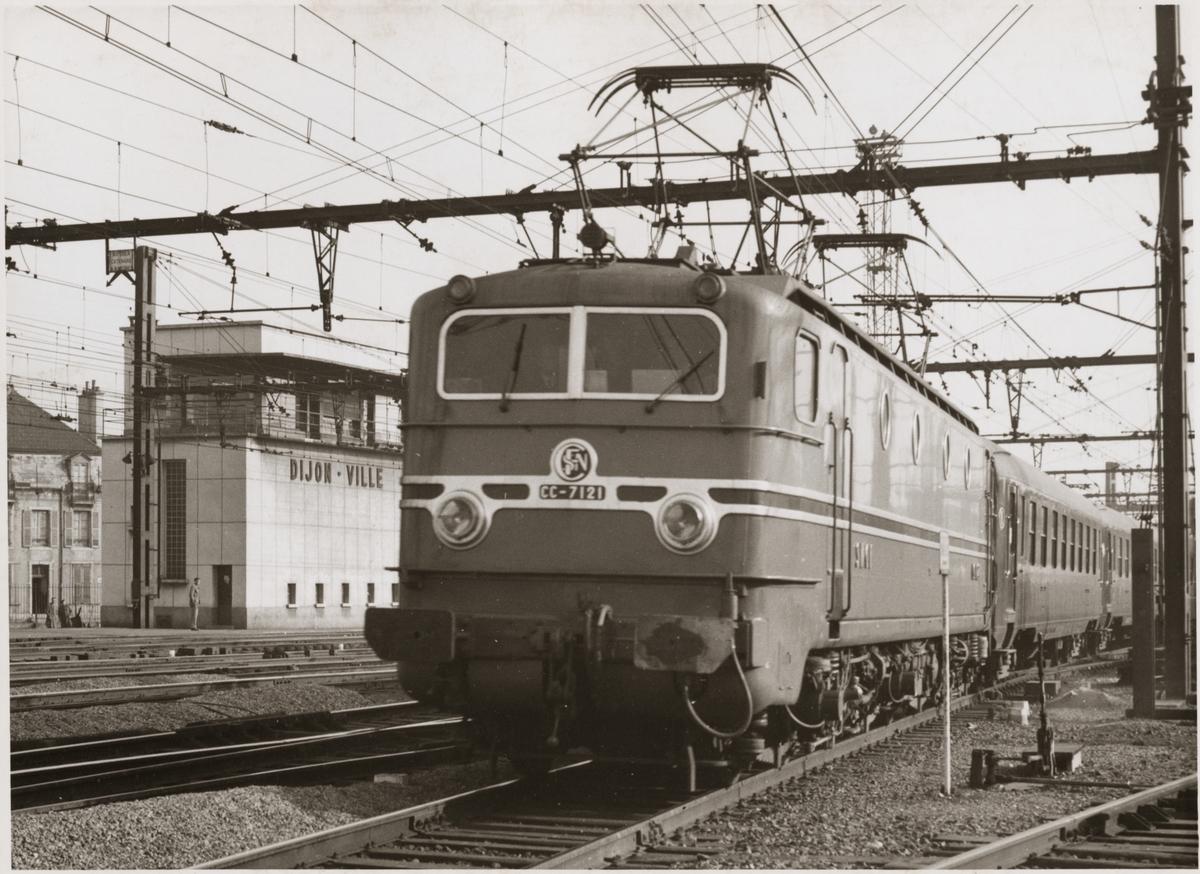 Société nationale des chemins de fer français, SNCF CC 7121 på Dijon Ville bangård.