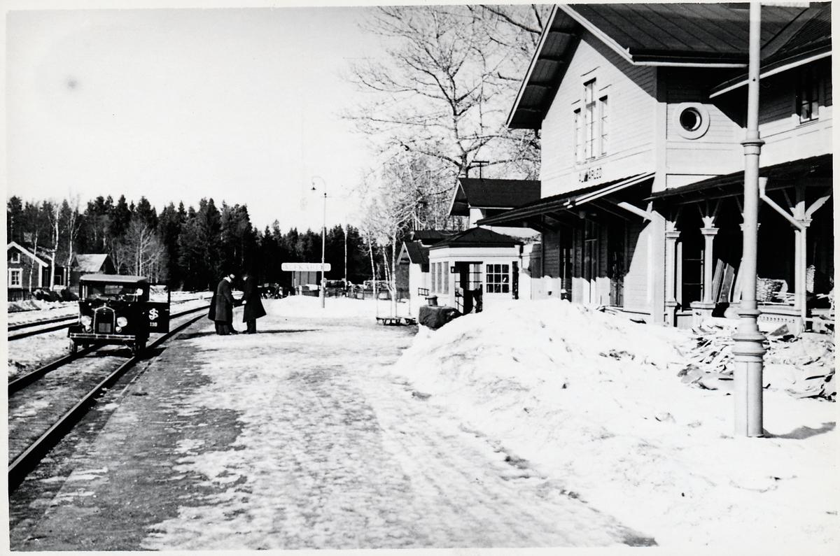 Älvkarleö station.